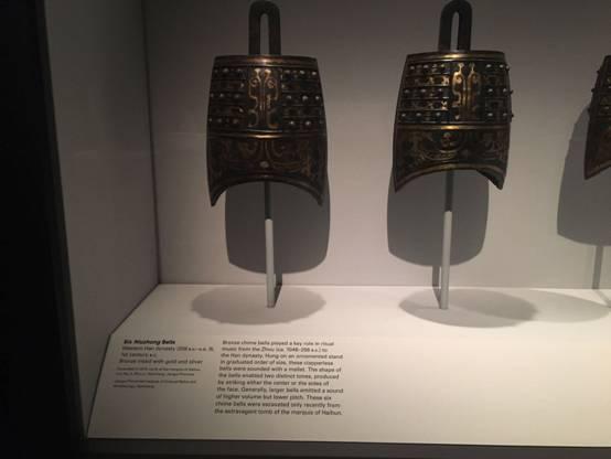 据悉,青铜编钟在周朝及汉朝的礼乐中承担着重要的使命.